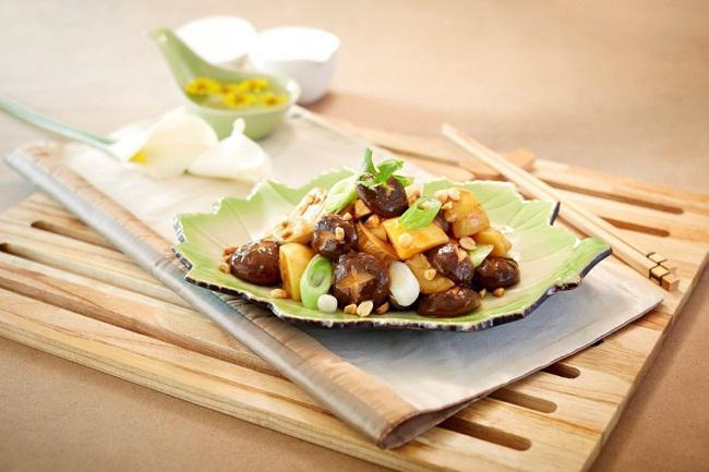 Khoai tây kho nấm linh chi - Món chay ngon cho bữa ăn gia đình